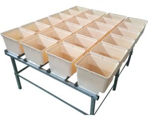 Small set dutch bucket system