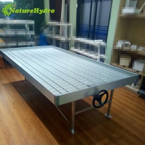 Advanced flood table with rolling benches